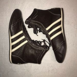 ADIDAS BOXING STYLE ATHLETIC SHOES